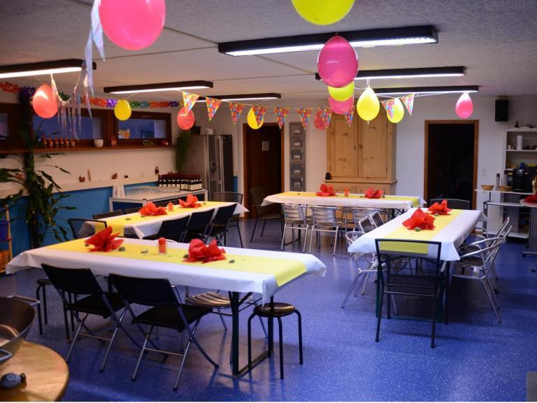 Anniversaire adulte 30 personnes - Decoration de table anniversaire adulte ...
